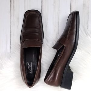 4c29f41c01a HAROLD POWELL Vintage Brown Leather Loafers sz 5.5